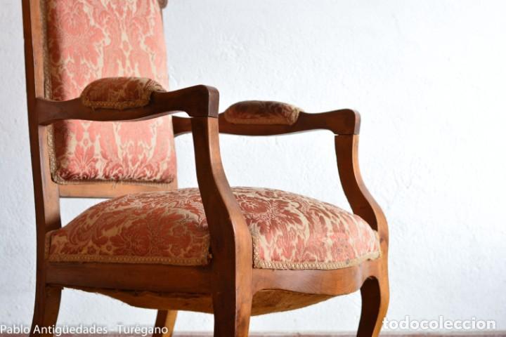 Antigüedades: Butaca o silla Luis XV en madera de nogal tallado - Tapizado en motivos vegetales - Silla Isabelina - Foto 13 - 160976478