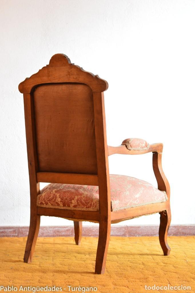 Antigüedades: Butaca o silla Luis XV en madera de nogal tallado - Tapizado en motivos vegetales - Silla Isabelina - Foto 18 - 160976478