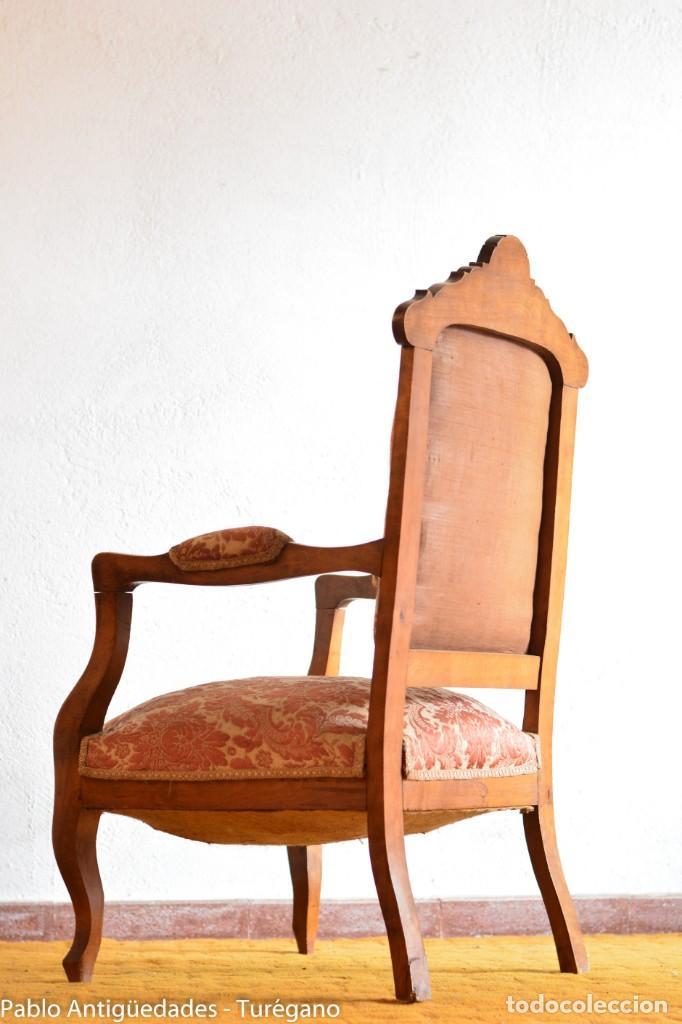 Antigüedades: Butaca o silla Luis XV en madera de nogal tallado - Tapizado en motivos vegetales - Silla Isabelina - Foto 20 - 160976478