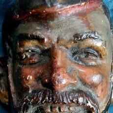 Antigüedades: ANTIGUA MÁSCARA INGLESA - TERRACOTA POLICROMADA - SOLDADO - ROSTRO GROTESCO - PIEZA DE VITRINA. Lote 160983530