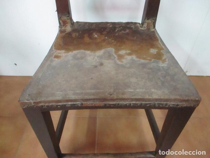 Antigüedades: Pareja de Sillas Carlos IV - Silla - Madera de Nogal - Tapicería en Piel Original - Finales S. XVIII - Foto 4 - 161252406