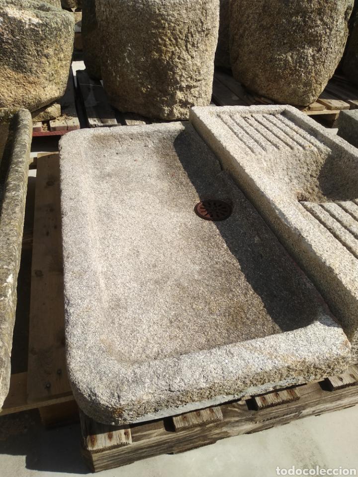 PRECIOSA PILA DE PIEDRA DE GRANITO. FREGADERO LAVABO (Antigüedades - Varios)