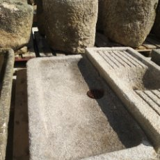 Antigüedades: PRECIOSA PILA DE PIEDRA DE GRANITO. FREGADERO LAVABO. Lote 161326678