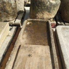 Antigüedades: PILA DE PIEDRA DE GRANITO. FREGADERO LAVABO MUY ANTIGUA. Lote 161327640