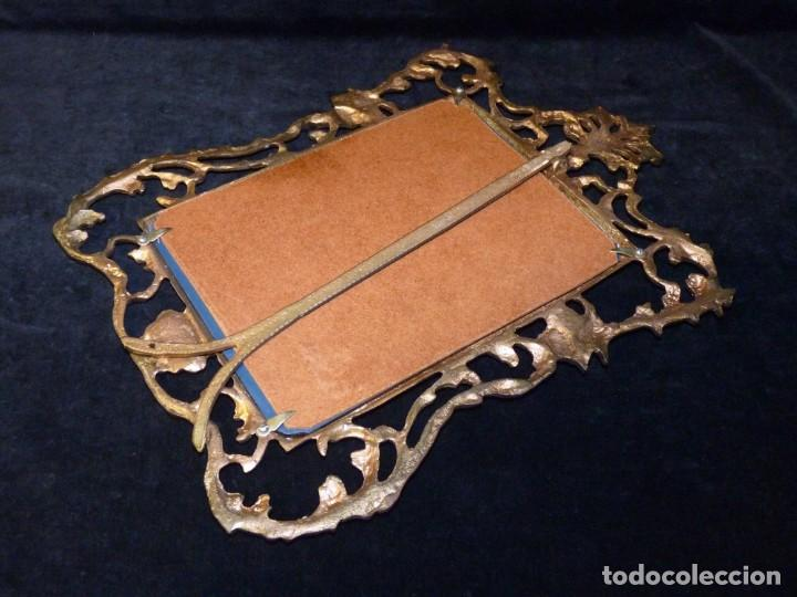 Antigüedades: ANTIGUO ESPEJO BISELADO DE SOBREMESA, CON MARCO DE BRONCE 37x27 cm. - Foto 8 - 161335798