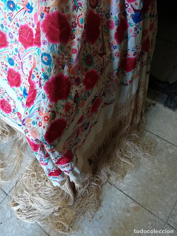 Antigüedades: Mantón antiguo muy bordado - Foto 2 - 161351782