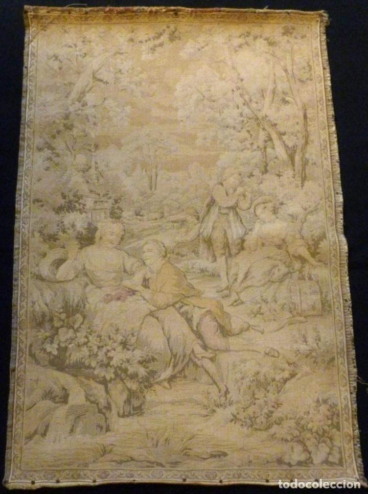 ANTIGUO TAPÍZ ESCENA ROMÁNTICA - S.XIX (Antigüedades - Hogar y Decoración - Tapices Antiguos)