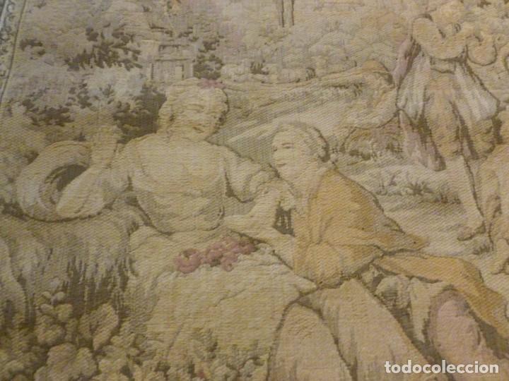 Antigüedades: ANTIGUO TAPÍZ ESCENA ROMÁNTICA - S.XIX - Foto 2 - 161369670