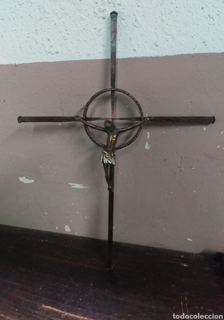 Antigüedades: CRUCIFIJO CRISTO ESMALTADO SOBRE CRUZ CELTA - Foto 2 - 161378762