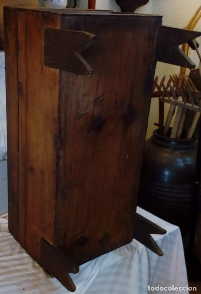 Antigüedades: ARCA ANTIGUA CON LLAVE ORIGINAL - Foto 3 - 99857427