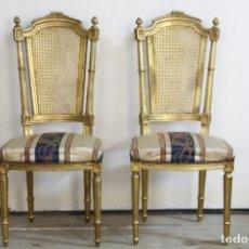 Antigüedades: ESPECTACULAR PAREJA DE SILLAS DORADAS. Lote 161429018