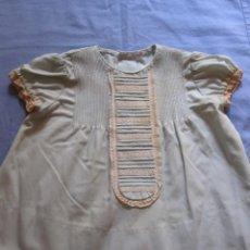 Antigüedades: ANTIGUO VESTIDO DE NIÑA DE COLOR VERDE - TALLA 0. Lote 161462610