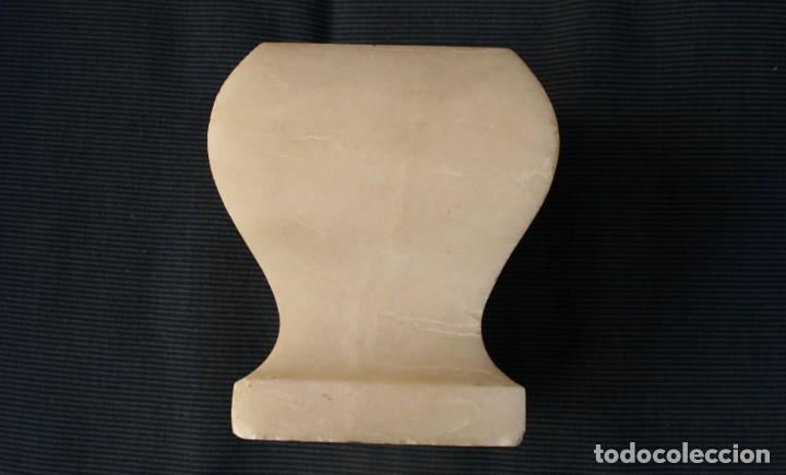 PEDESTAL BASE PEANA SOPORTE MENSULA… DE MARMOL BLANCO PARA FIGURA… EN UNA SOLA PIEZA ALTURA 12 CM (Antigüedades - Muebles Antiguos - Ménsulas Antiguas)
