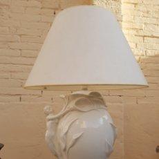 Antigüedades: LAMPARA PORCELANA ITALIANA ART NOUVEAU MOTIVOS FLORALES Y MUJER. Lote 140501442