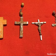 Antigüedades: ANTIGUAS 4 CRUZ / CRUCES DE METAL Y MADERA DE ROSARIOS AÑOS 60-70. Lote 161482346