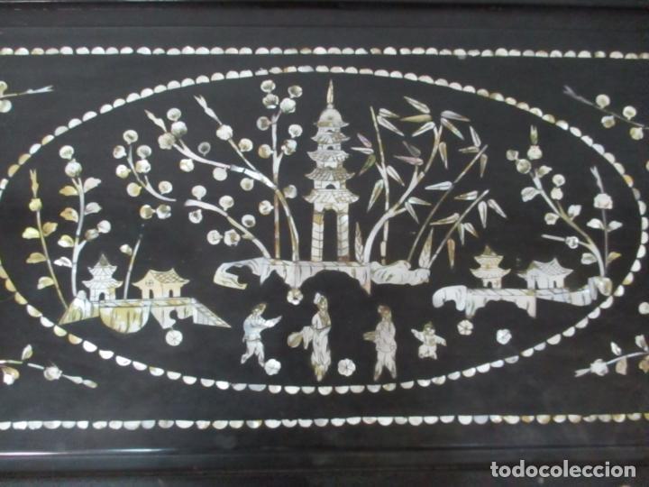 Antigüedades: Precioso Baúl Oriental - China - Caja, Arcón - Madera de Cedro - Decoración en Marquetería de Nácar - Foto 4 - 161676418
