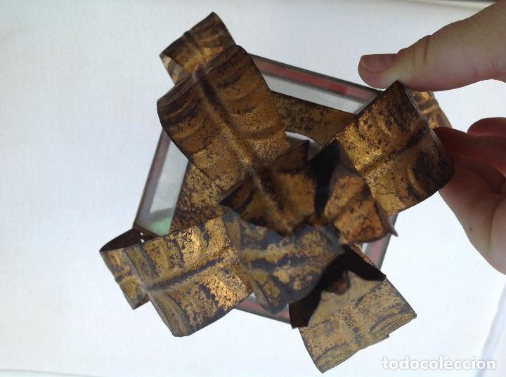 Antigüedades: Farol procesional de hojalata dorada y cristal - Foto 2 - 161701722