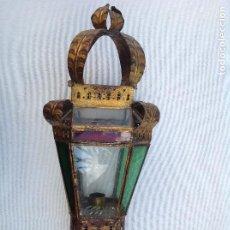 Antigüedades: FAROL PROCESIONAL DE HOJALATA DORADA Y CRISTAL. Lote 161701722