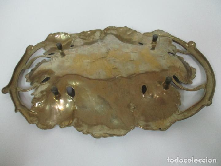 Antigüedades: Bonita Bandeja Modernista - Bronce Cincelado - Decorada con Hojas y Racimos - Principios S. XX - Foto 14 - 161818358