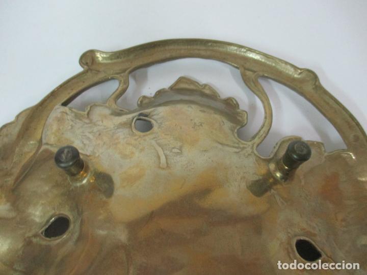 Antigüedades: Bonita Bandeja Modernista - Bronce Cincelado - Decorada con Hojas y Racimos - Principios S. XX - Foto 15 - 161818358