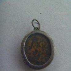 Antigüedades: MUY ANTIGUO RELICARIO DE PLATA CON TROZOS DE HUESO, VER . PLATA. Lote 161907054