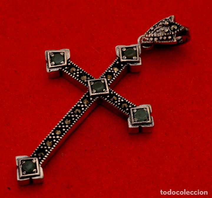 CRUZ DE PLATA CON PEDRERÍA (Antigüedades - Religiosas - Cruces Antiguas)