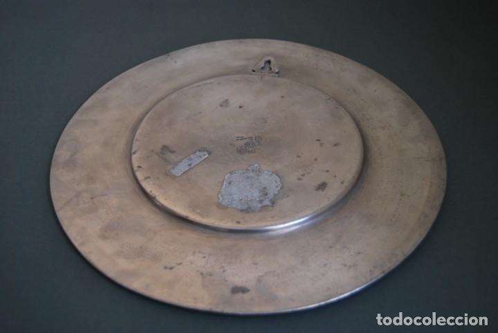 Antigüedades: PLATO DE ESTAÑO - BANDEJA - DECORACIÓN FLORAL - ESTILO MODERNISTA - LES POTSTAINIERS HUTOIS -BÉLGICA - Foto 7 - 161982842