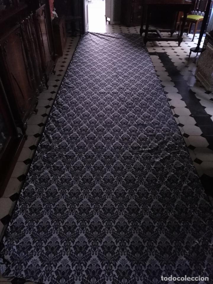 Antigüedades: 5,6 m x 1,5 m esperctacular brocado o damasco negro y gris plata ideal manto traje virgen difuntos - Foto 13 - 162095722