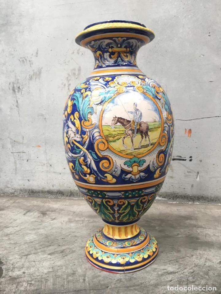 ESPECTACULAR TINAJA, JARRON, DE MUSEO, RAMOS REJANO, DE TRIANA CON DON QUIJOTE DE LA MANCHA(SEVILLA) (Antigüedades - Porcelanas y Cerámicas - Triana)