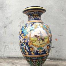 Antigüedades: ESPECTACULAR TINAJA, JARRON, DE MUSEO, RAMOS REJANO, DE TRIANA CON DON QUIJOTE DE LA MANCHA(SEVILLA). Lote 162106170