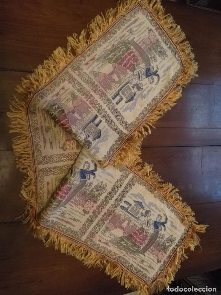 Antigüedades: chals o mantoncillo manton brocado estampado con escenas de baile rectangular sedina y flecos leer - Foto 2 - 162141990