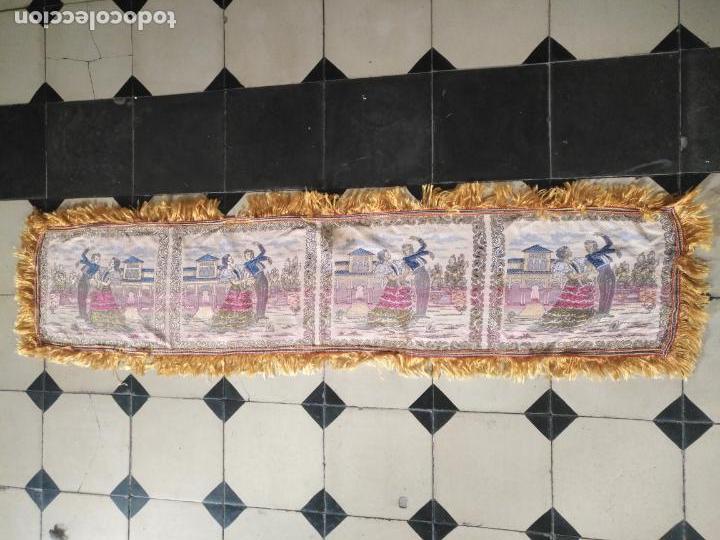 Antigüedades: chals o mantoncillo manton brocado estampado con escenas de baile rectangular sedina y flecos leer - Foto 4 - 162141990