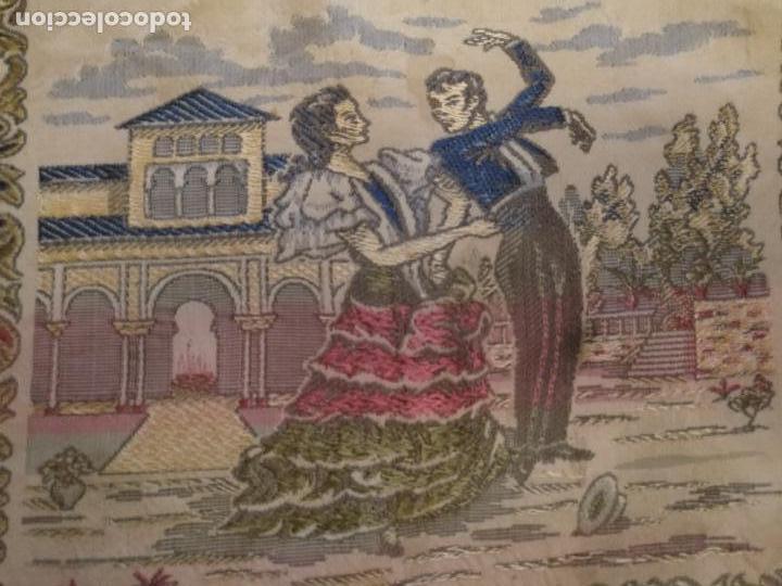 Antigüedades: chals o mantoncillo manton brocado estampado con escenas de baile rectangular sedina y flecos leer - Foto 6 - 162141990