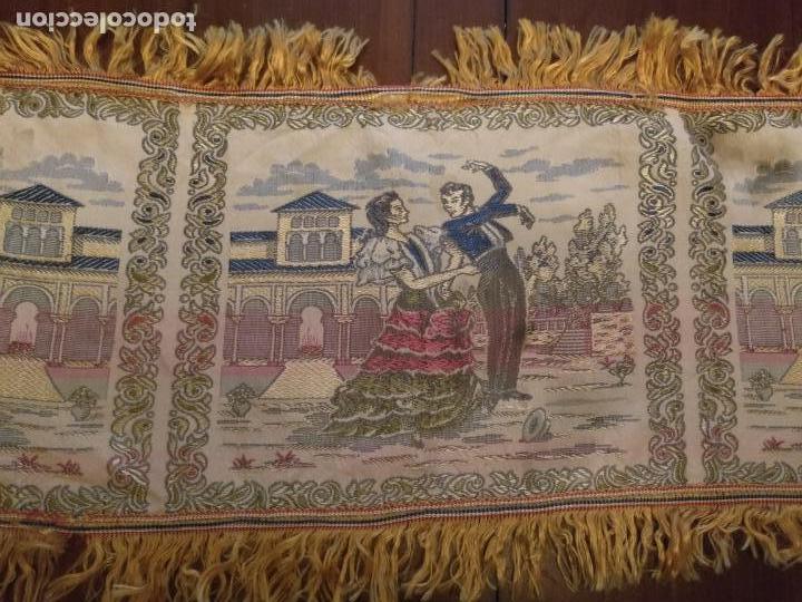 Antigüedades: chals o mantoncillo manton brocado estampado con escenas de baile rectangular sedina y flecos leer - Foto 8 - 162141990