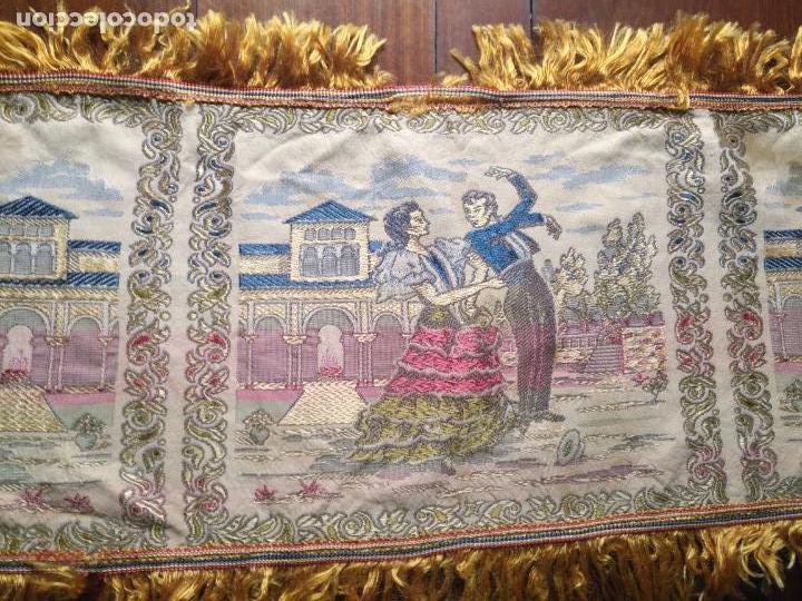 Antigüedades: chals o mantoncillo manton brocado estampado con escenas de baile rectangular sedina y flecos leer - Foto 10 - 162141990