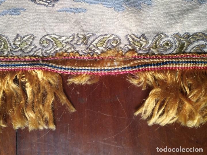 Antigüedades: chals o mantoncillo manton brocado estampado con escenas de baile rectangular sedina y flecos leer - Foto 11 - 162141990