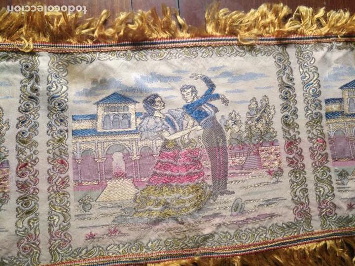 Antigüedades: chals o mantoncillo manton brocado estampado con escenas de baile rectangular sedina y flecos leer - Foto 12 - 162141990