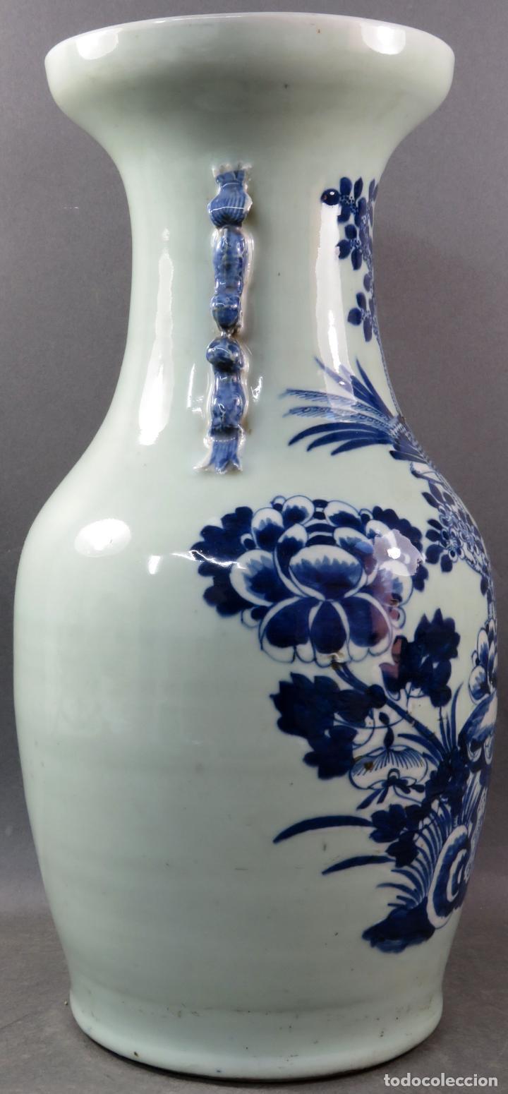Antigüedades: Jarrón en porcelana China Celadón blanco y azul hacia 1900 - Foto 2 - 221122575