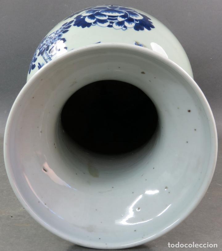 Antigüedades: Jarrón en porcelana China Celadón blanco y azul hacia 1900 - Foto 5 - 221122575