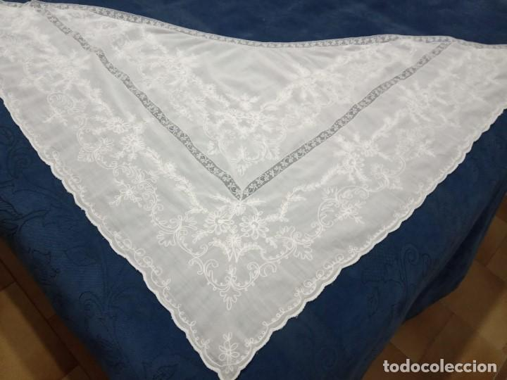 PRECIOSA MANTELETA DE BOBINE BORDADA (Antigüedades - Moda - Mantones Antiguos)