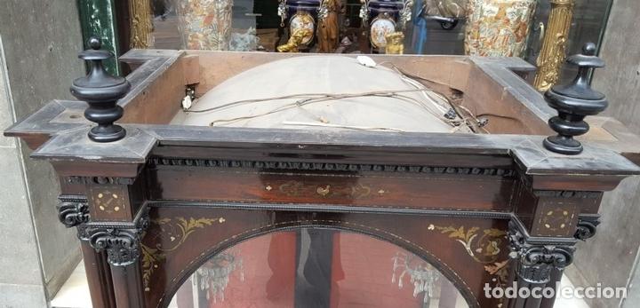 Antigüedades: HORNACINA. MADERA DE TROPICAL CON INCRUSTACIONES. ESTILO ISABELINO. ESPAÑA. SIGLO XIX. - Foto 3 - 162237626