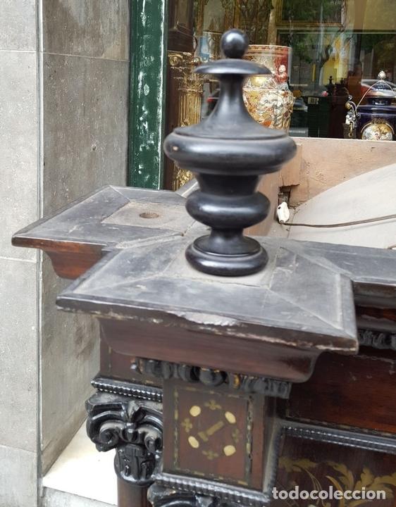 Antigüedades: HORNACINA. MADERA DE TROPICAL CON INCRUSTACIONES. ESTILO ISABELINO. ESPAÑA. SIGLO XIX. - Foto 4 - 162237626