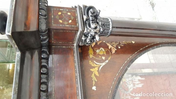 Antigüedades: HORNACINA. MADERA DE TROPICAL CON INCRUSTACIONES. ESTILO ISABELINO. ESPAÑA. SIGLO XIX. - Foto 10 - 162237626