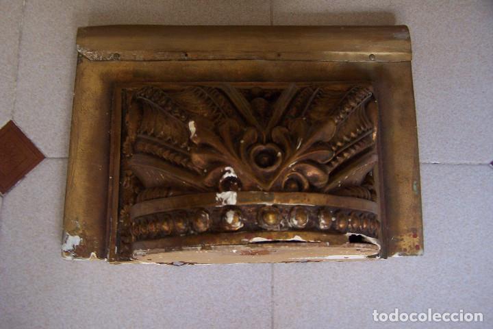 Antigüedades: ANTIGUA MÉNSULA, PEANA DE PARED PARA FIGURA O SIMILAR. ESCAYOLA DORADA- COBRIZA. - Foto 5 - 162299158