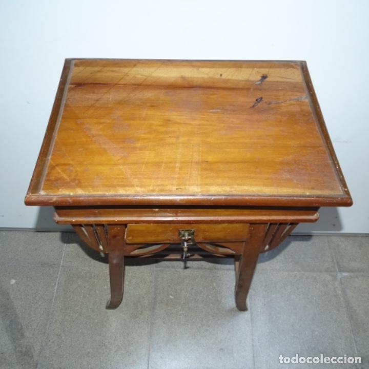 Antigüedades: Antiguo Costurero modernista de madera.bien conservado y con llave original. - Foto 2 - 162324494