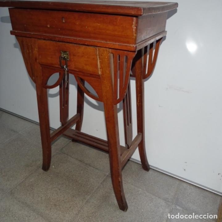 Antigüedades: Antiguo Costurero modernista de madera.bien conservado y con llave original. - Foto 6 - 162324494