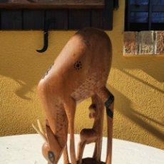 Antigüedades: ESCULTURA DE MADERA ANIMAL. Lote 162395462