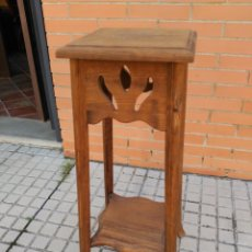 Antigüedades: PEDESTAL MACETERO EN MADERA. Lote 162415454