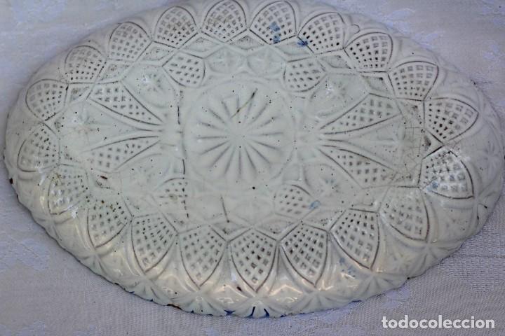 Antigüedades: RARA FUENTE BANDEJA DE CERÁMICA CON PERDIZ TALAVERA DE LA REINA? - Foto 8 - 162469670