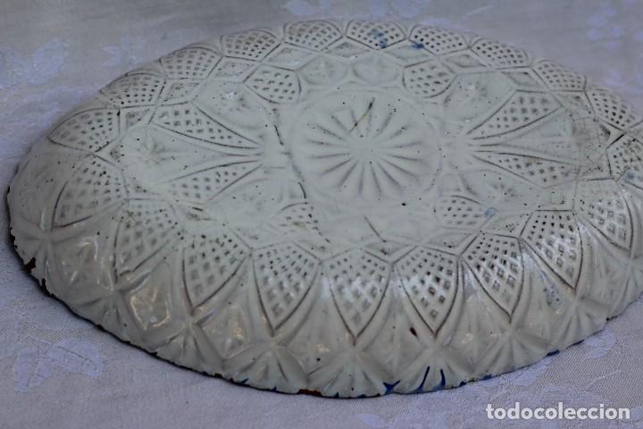 Antigüedades: RARA FUENTE BANDEJA DE CERÁMICA CON PERDIZ TALAVERA DE LA REINA? - Foto 9 - 162469670